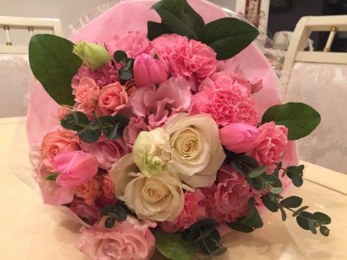 生徒のお母さまから頂いた豪華な花束